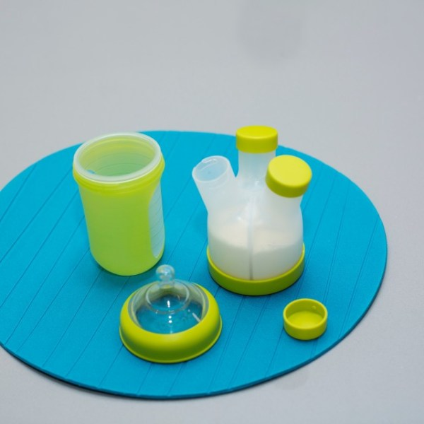 BOON - TRIPOD - cutie dozator pentru formula de lapte praf