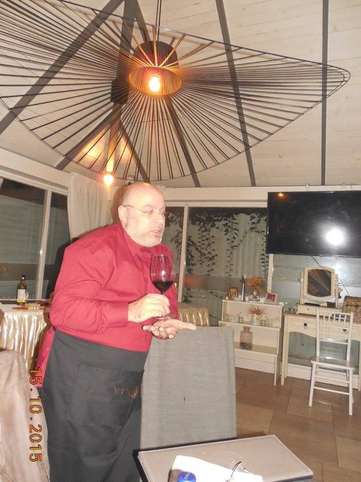 "Armonie si contrast. Vinarte si Delaco in debutul unui proiect gastronomic ""Branzeturi cum se... cuVin"""