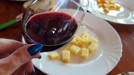 Degustare de branza si vin
