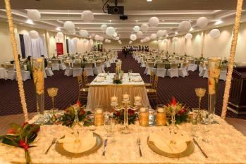 banquet-set-up-with-client-decor