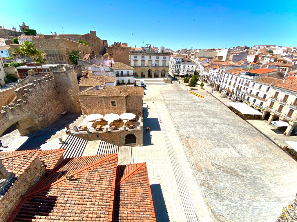 Vistas desde arriba de la Torre de Bujaco