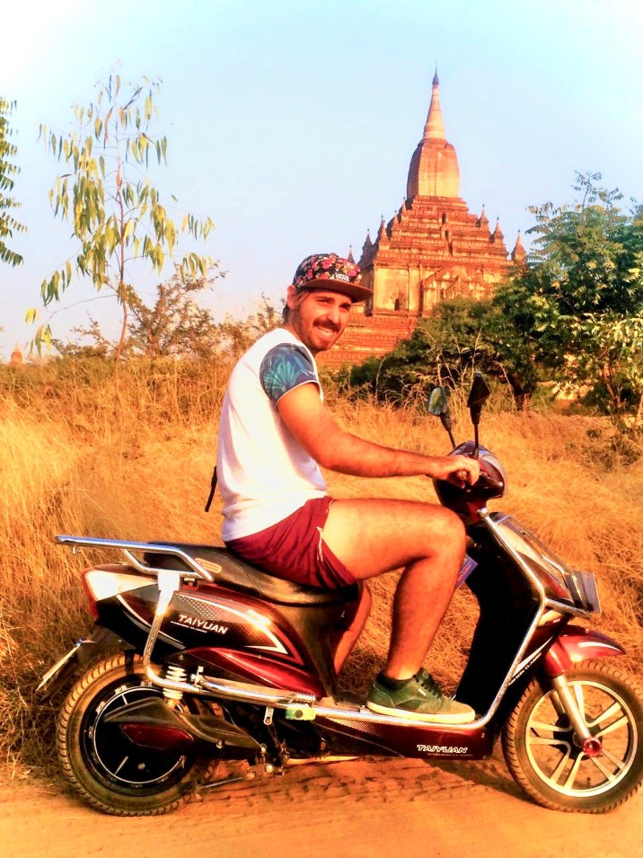 Recorriendo los Templos de Bagan
