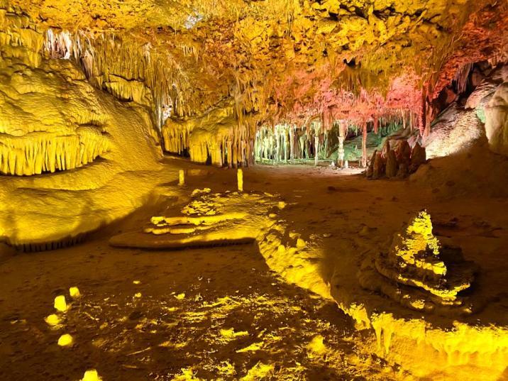 Recorriendo las cuevas
