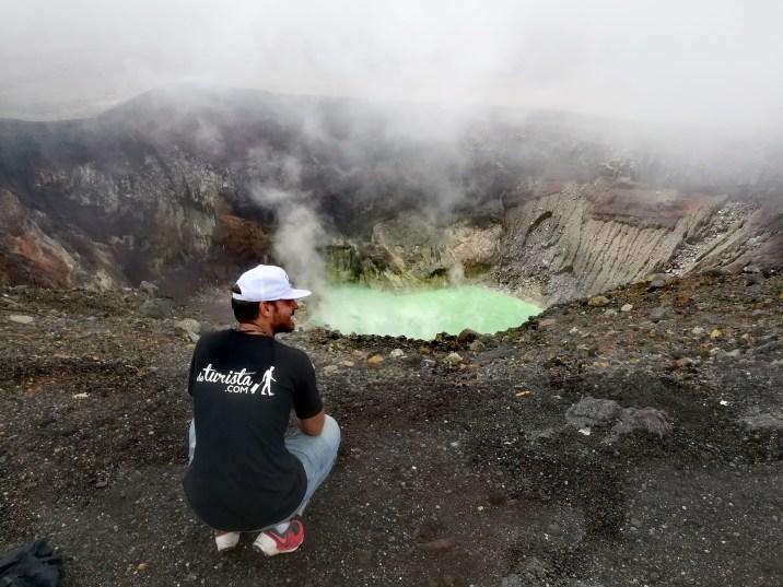 Volcán de Santa Ana con su lago