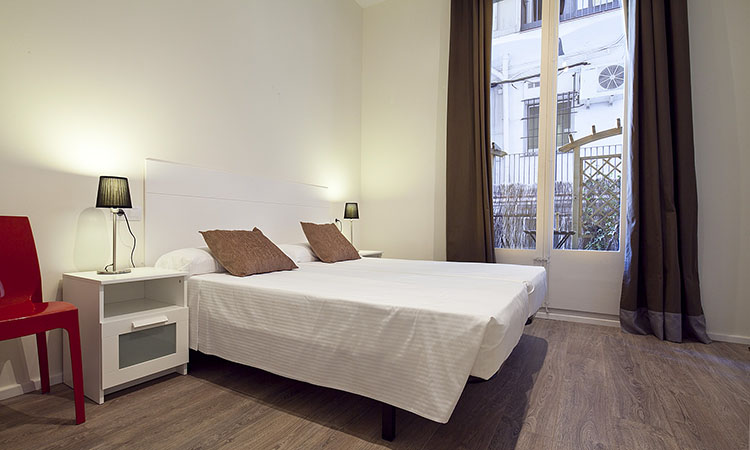 family apartments in Barcelona twin bedroom3