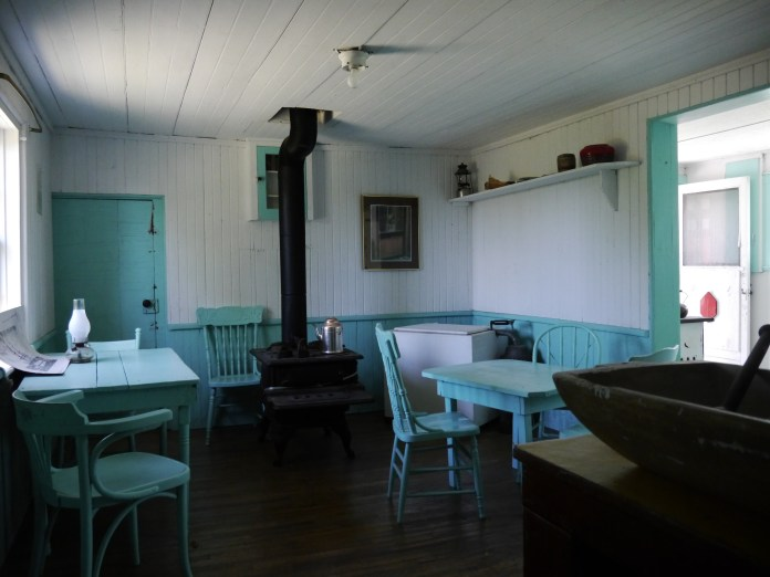 The lighthouse keeper and their family used to live in the lighthouse full-time.