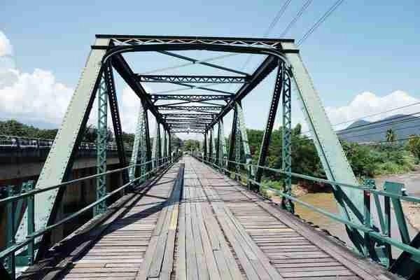 WW Memorial bridge