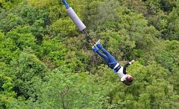 Bungee jumping in Seminyak