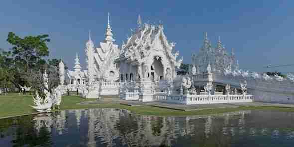 Wat Rong Khung in Chiang Rai