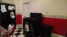 and we put up the wallpaper border!!