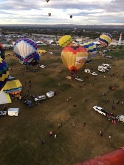 balloon-flight-looking-down-at-ground-crew
