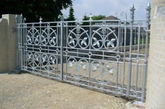 spawanie artystyczne ogrodzenie