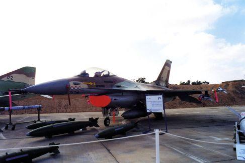 מטוס 107