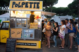 food truck on ice 2015-roma-