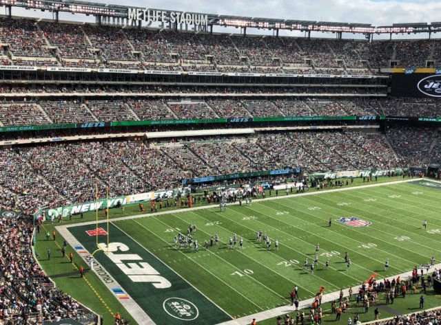 Week 6 2017 Patriots @ Jets. The stadium is clearly well under capacity.