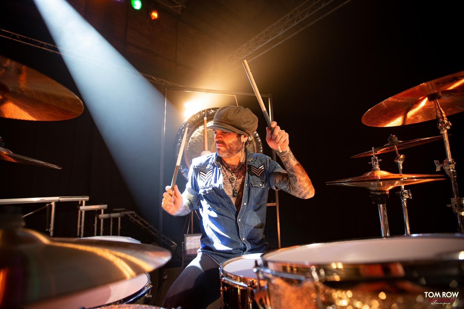 John Diva & the Rocket of Love Videodreh Drummer