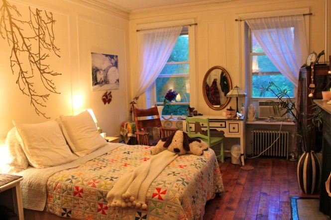 Itsy Bitsy Bedroom Maximizing Your Small E Ramshackle