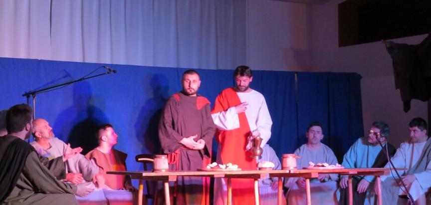 """FOTO: U župi Gračac izvedena pasionska igra """"Muka Gospodina našega Isusa Krista"""""""