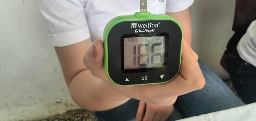 """""""Pobjedimo dijabetes"""" – Mjerenje šećera u krvi na Gračacu i Gračanici"""