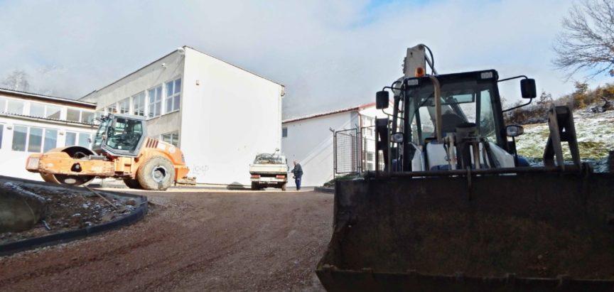 Foto-video: Uređen pristup i dvorište Srednje škole Prozor