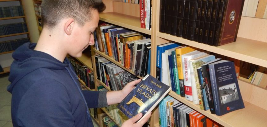 Knjižnica nagradila tri najvjernija čitatelja