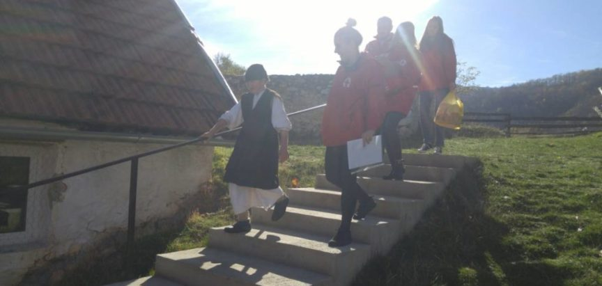Foto: Crveni križ Prozor-Rama podjelom paketa obilježio tjedan solidarnosti