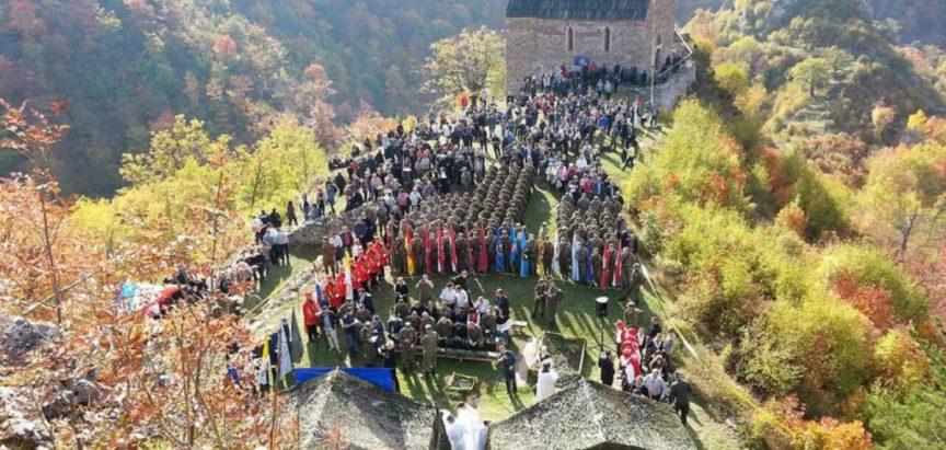 Molitveni pohod na Bobovcu: Misu predvodio kardinal Puljić