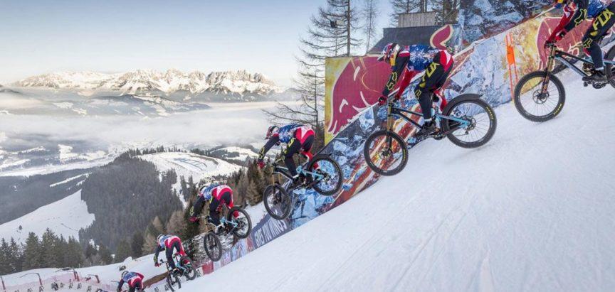 Spust biciklom niz skijašku stazu