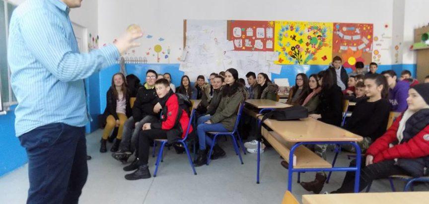 Predavanje o ovisnosti održano u OŠ Marka Marulića u Prozoru