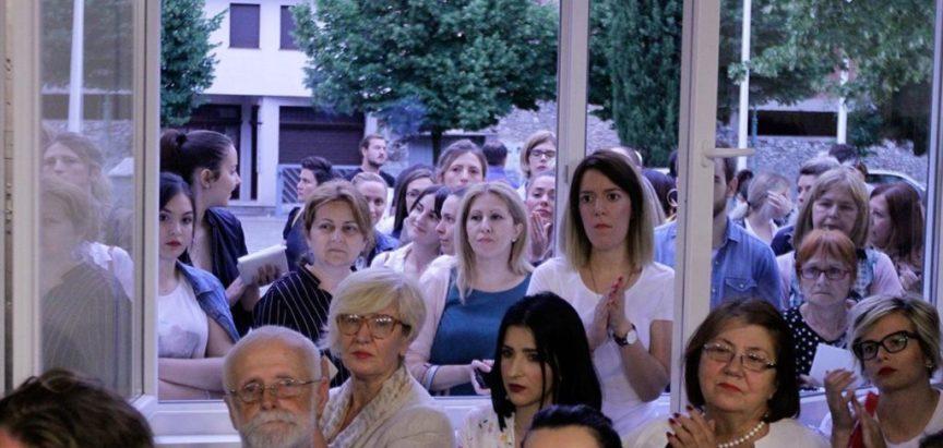 Martina Mlinarević predstavila knjigu 'Huzur' pred stotinama Mostaraca