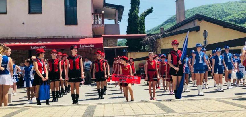Iva Vladić i Viktoria Baketarić zlatne na natjecanju najmlađih mažoretkinja u Kreševu