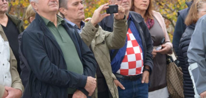 Foto: Hrvatsko žrtvoslovno društvo iz Zagreba u posjetu Rami