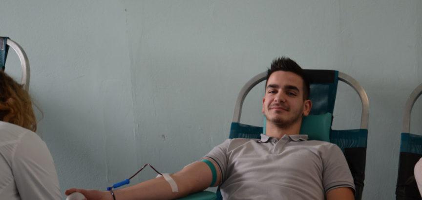 Darivanje krvi u Srednjoj školi Prozor: Od 1996. godine sa akcijom od 15.11.2018. prikupljeno  je 1653 doza krvi