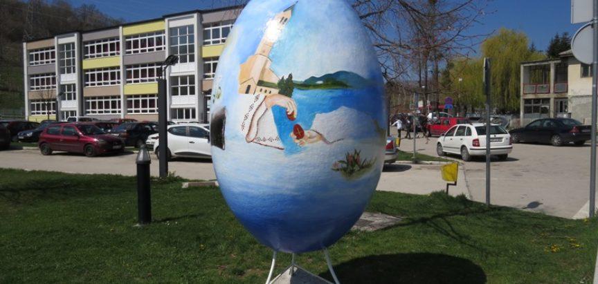 U Prozoru postavljeno veliko uskrsno jaje s ramskim motivima