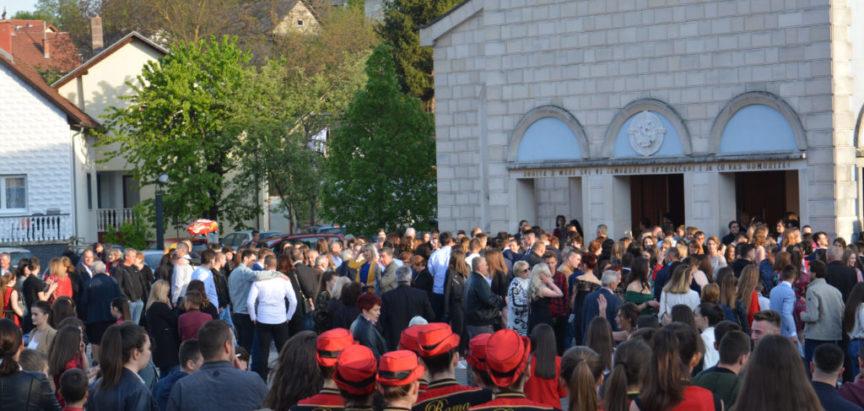 Foto: Svečani ispraćaj maturanata Srednje škole Prozor