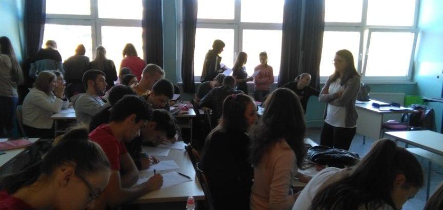 U Srednjoj školi u Prozoru obilježen Mjesec borbe protiv raka dojke
