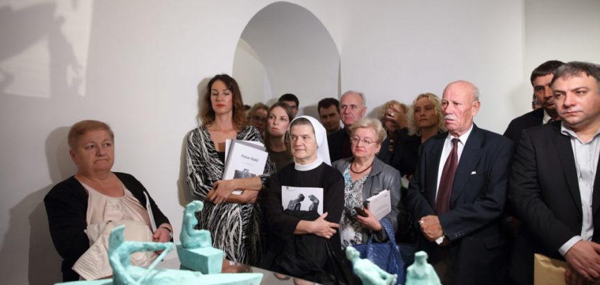 """Foto: U Zagrebu otvorena izložba """"Amblemi ramskog zavičaja"""""""