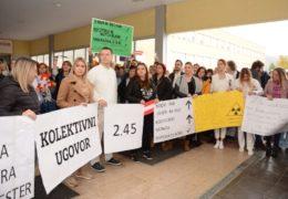 Zdravstvenici djelatnici HNŽ-a održali štrajk upozorenja, 'zaprijetili' odlaskom u Švicarsku i Njemačku