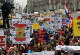 Prosvjed sindikata obrazovanja u Zagrebu: Ovo je pokret za bolje obrazovanje i budućnost Hrvatske