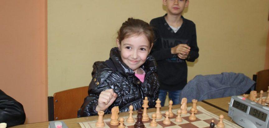 Odigran Božićni šahovski turnir za mlade