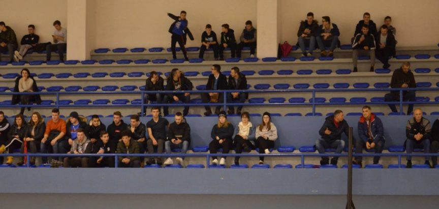Foto: U Prozoru odigrana humanitarna rukometna utakmica