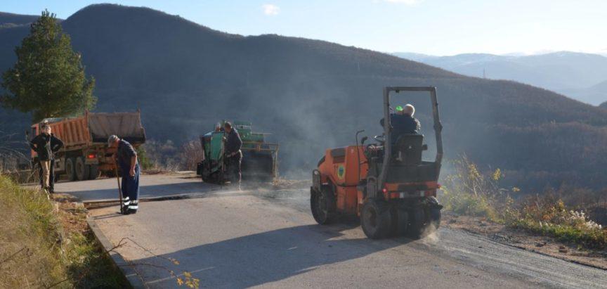 Foto/video: Sanacija ceste kroz Lapsunj i Šlimac kojom je izgrađen vodovod