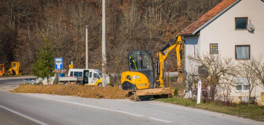 Foto/video: Izgradnja vodovoda za Lug