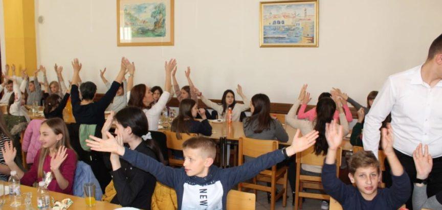 Zbor mladih župe Prozor bio gost na svečanosti VII. Međudekanskog susreta u Travniku