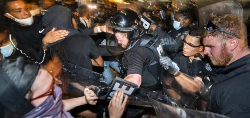 Neredi u SAD-u: U Georgiji izvanredno stanje, vojska na ulicama