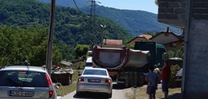Foto/video: Započela rekonstukcija tunela kod skretanja za Ustiramu i odmah  veliki problemi u prometu