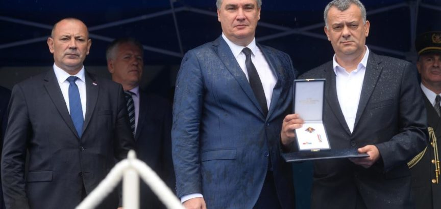 Predsjednik Republike Hrvatske Zoran Milanović u Kninu odlikovao HVO