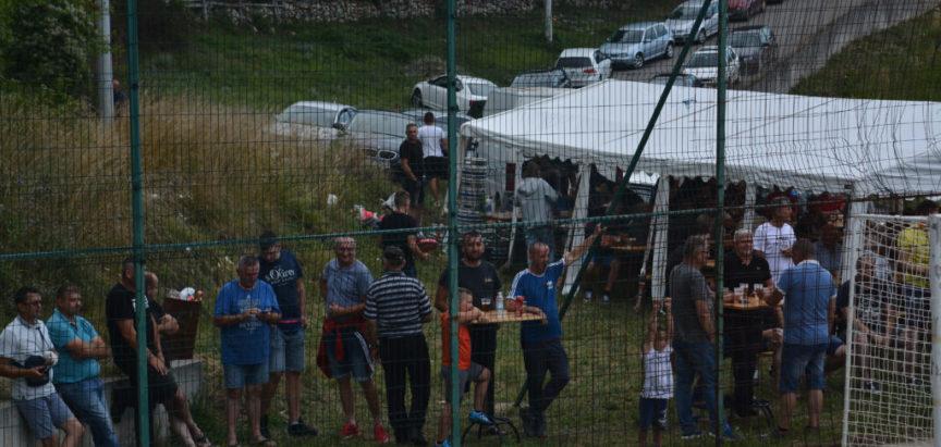 """Foto: Pobjednik malonogometnog turnira u Rumbocima je ekipa MNK """"Rakia"""""""