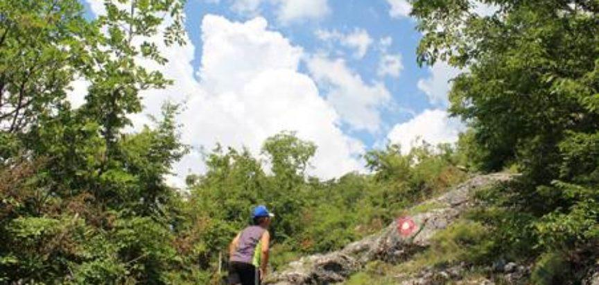 Skupina planinara i zaljubljenika u prirodu obilježila i uredila stazu do vrha Klečke stijene