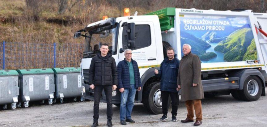 "Novo vozilo za prijevoz otpada uručeno JKP  ""Vodograd"""